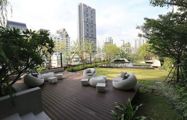 Rhythm-Sathorn--Narathiwas-Bangkok-condo-for-sale-Pocket-Garden-2