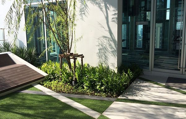 Rhythm-Sathorn--Narathiwas-Bangkok-condo-for-sale-Pocket-Garden