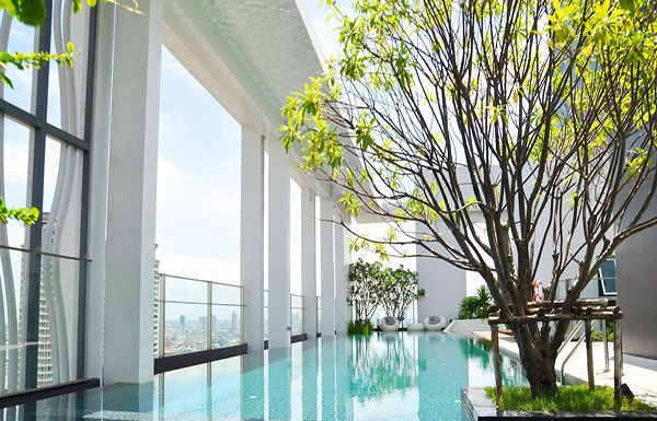 Rhythm-Sathorn--Narathiwas-Bangkok-condo-for-sale-swimming-pool-2